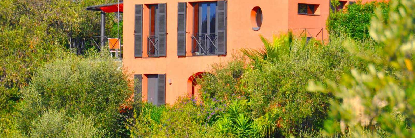 Haus von aussen. Casa Fiori. Ferienhaus in Ligurien mit Blick auf das Meer.