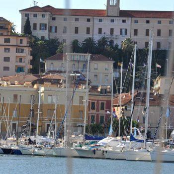 Blick auf den Yachthafen von Porto Maurizio