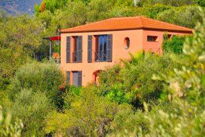 Ferienhaus in Ligurien Casa Fiori auf dem Colle Lupi von aussen.