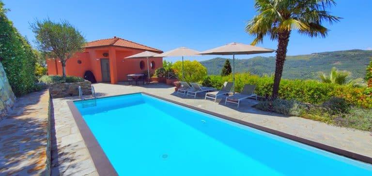 CL16-Vista Complessiva-Casa-con-Pool