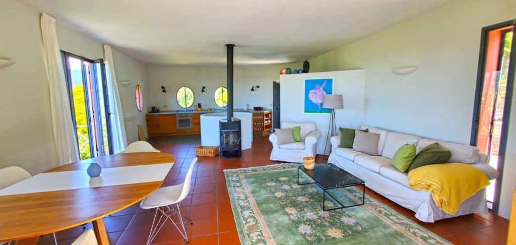 CL16-Wohnraum-Richtung-Küche