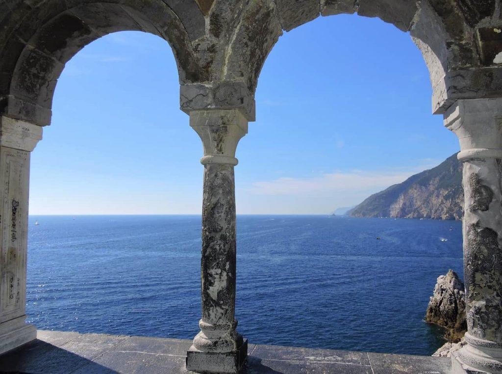 window sea column 936927